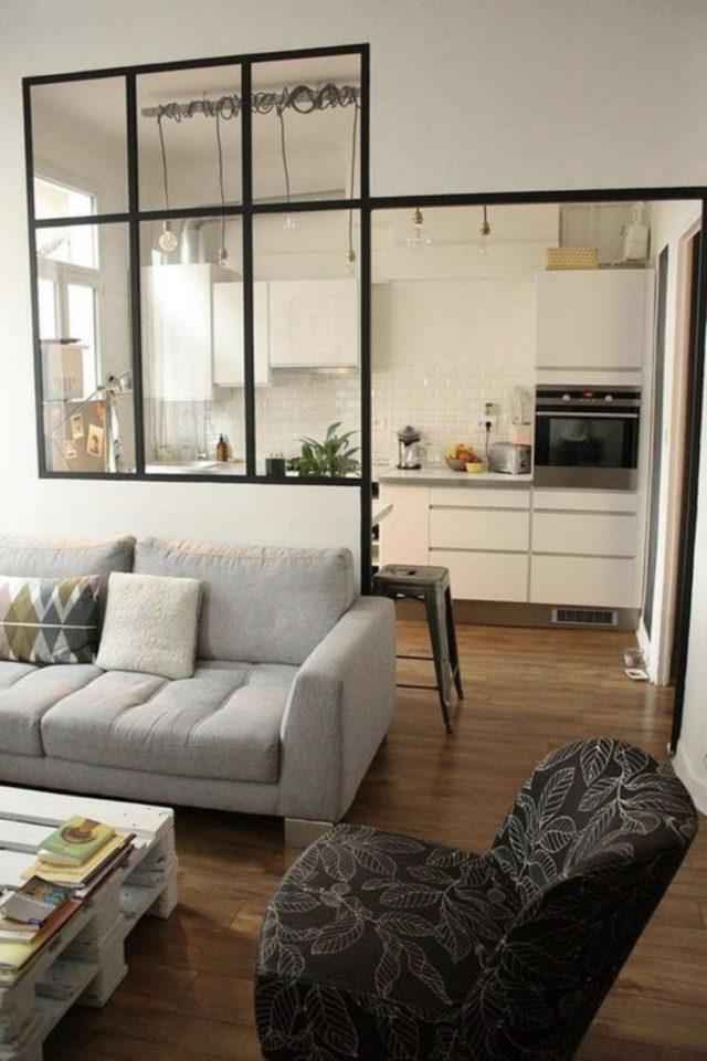 cuisine moderne verriere soubassement exemple salon séjour simplicité et chic