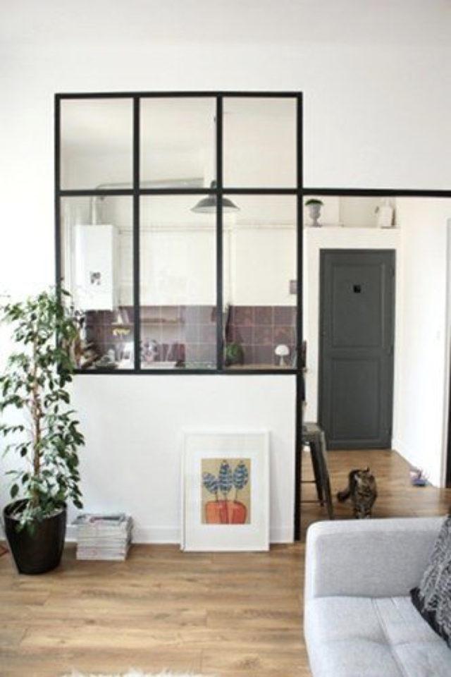 cuisine moderne verriere soubassement exemple séparation salon séjour montant chic et élégant