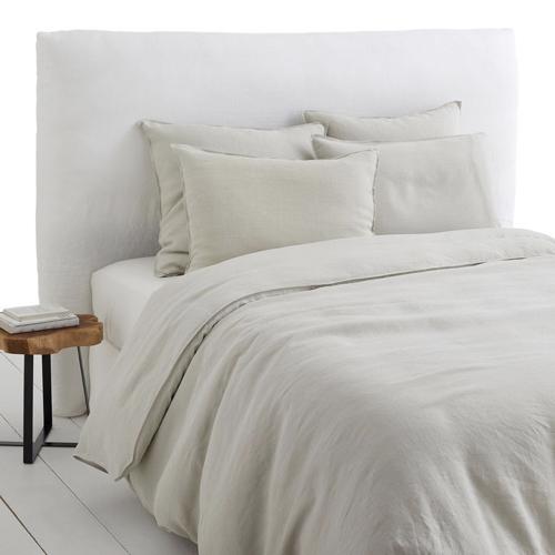 deco amenagement studio style coreen espace sommeil linge de lit en chanvre couleur neutre écru beige