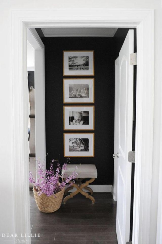 decoration 4 cadres exemple entrée petit pan de mur peinture élégant