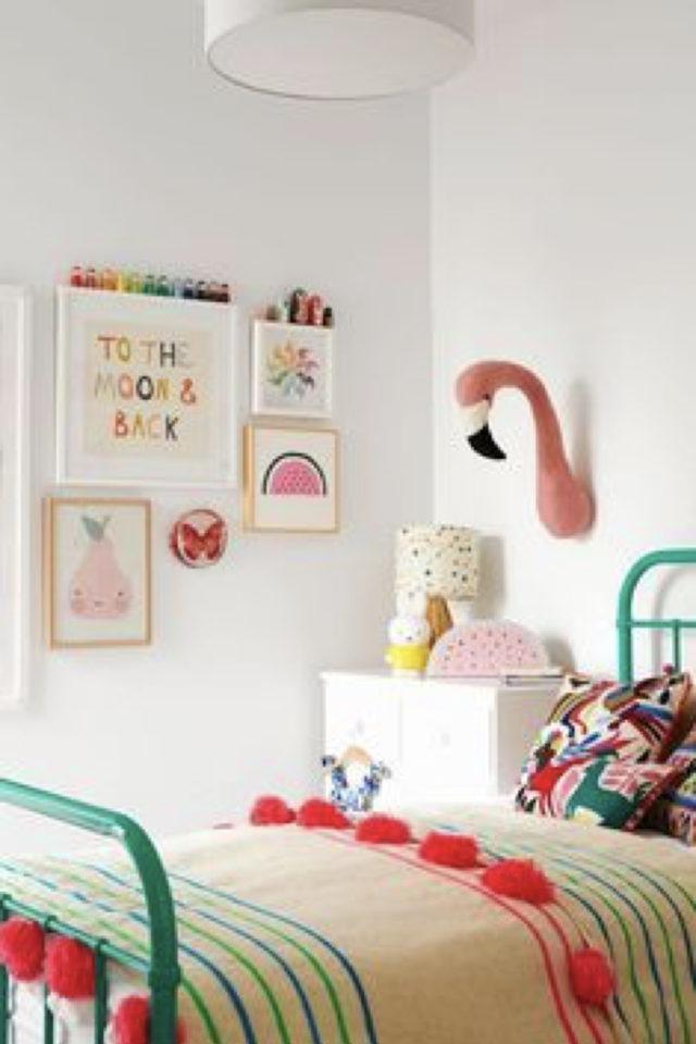 decoration ompon colore exemple linge de lit chambre enfant moderne