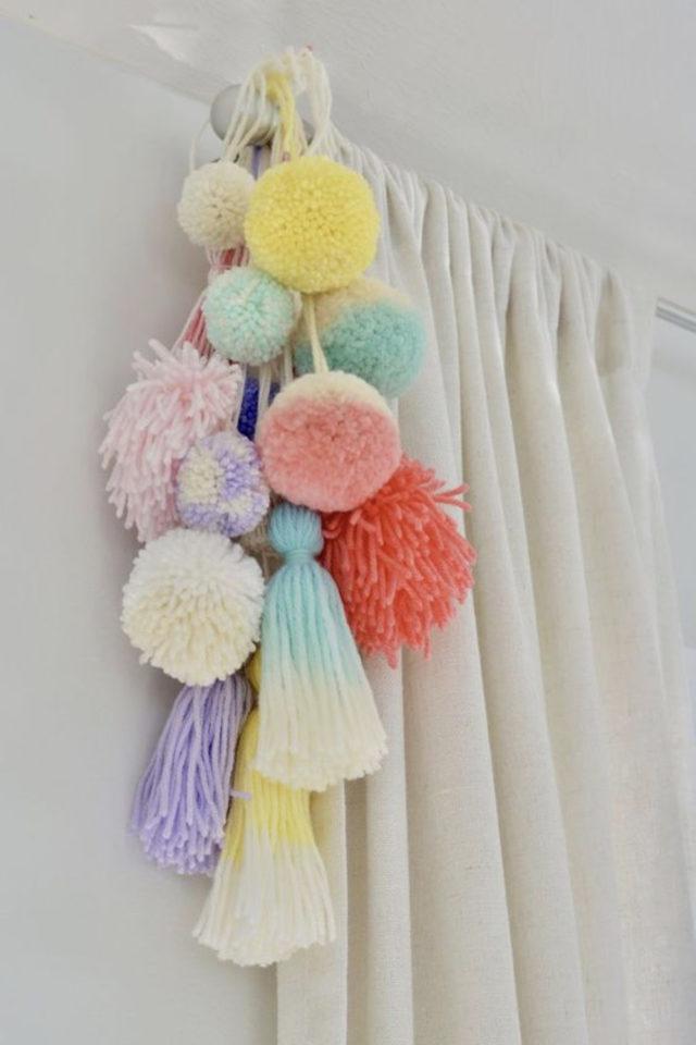decoration ompon colore exemple détails déco rideaux chambre enfant
