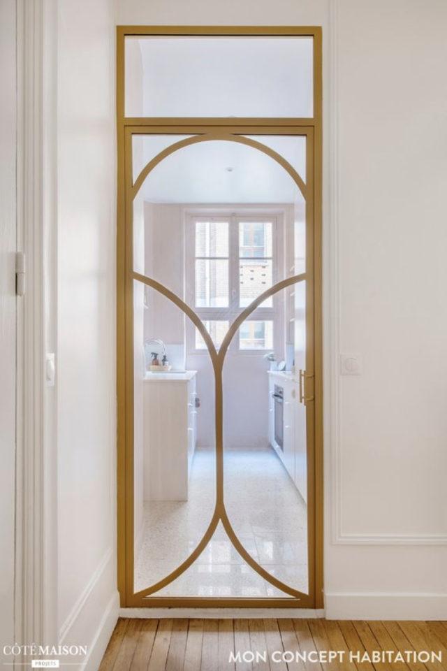 exemple porte vitree elegante encadrement bois décor arrondi art nouveau épuré transparence