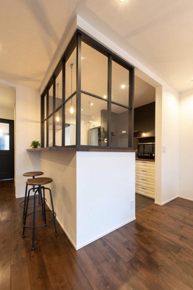 grande verriere angle cuisine exemple montant fenêtre carrée