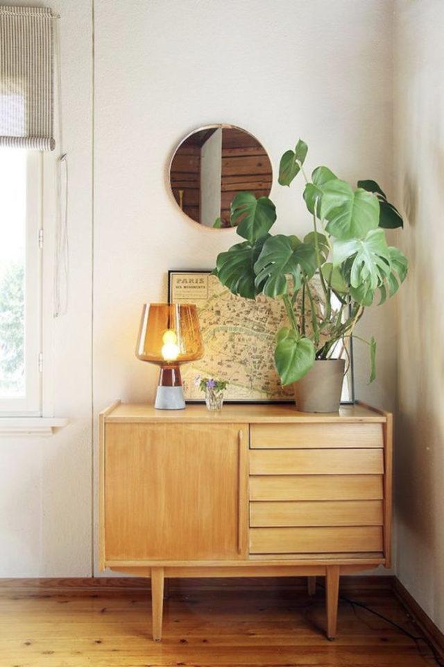 meuble salon style vintage exemple petit buffet bois angle de salon séjour 1 porte et tiroir décoration plantes