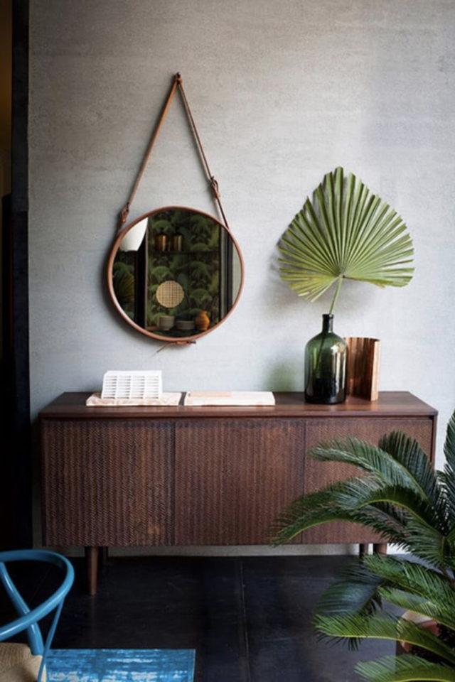miroir rond suspendu idee decoration dessus de buffet plantes vertes moderne