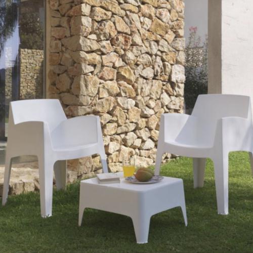ou trouver salon jardin pas cher meuble plastique blanc original chaise et table basse