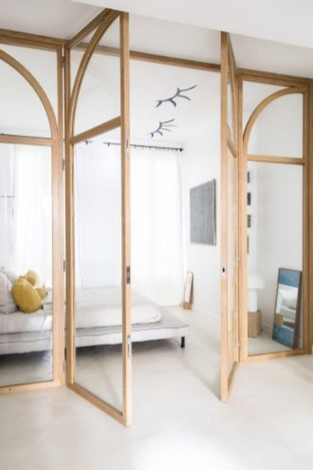 porte vitree interieure moderne exemple bois verre simplicité minimaliste détail arrondi