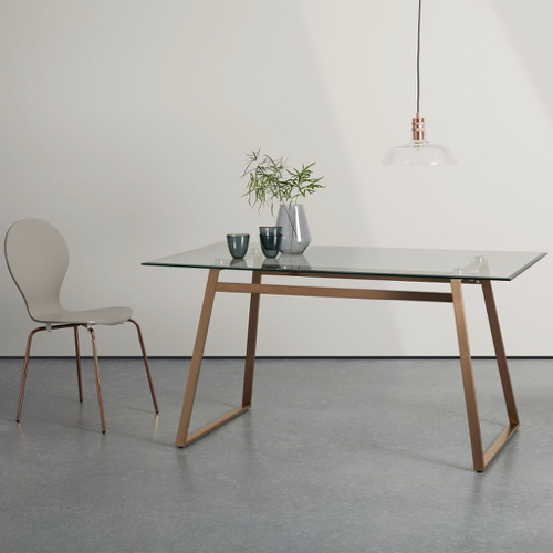 sejour salle a manger table moderne plateau verre piètement élégant