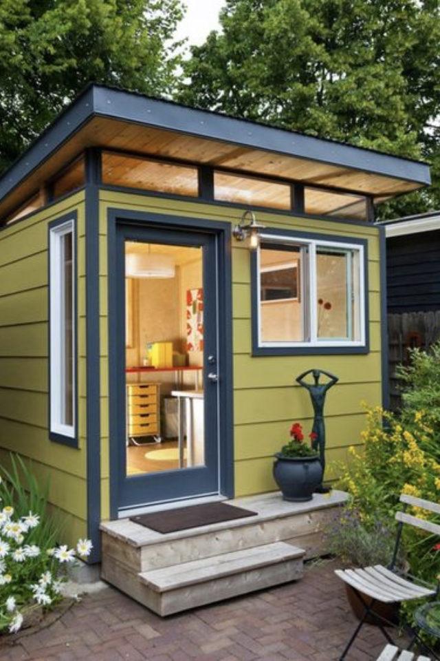 she shed jardin cest quoi chalet extérieur design couleur jaune moutarde et bleu canard