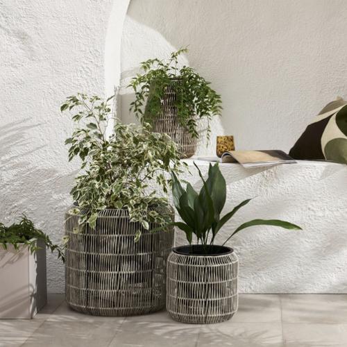 tendance jardin confort 2021 grand cache pot moderne en rotin extérieur