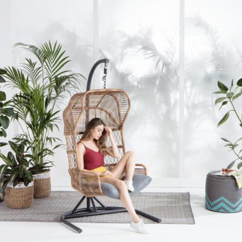 tendance jardin confort 2021 fauteuil suspendu armature métal rotin