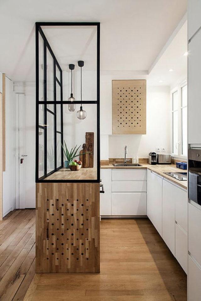 verriere moderne petite cuisine exemple soubassement bois meuble blanc forme couloir