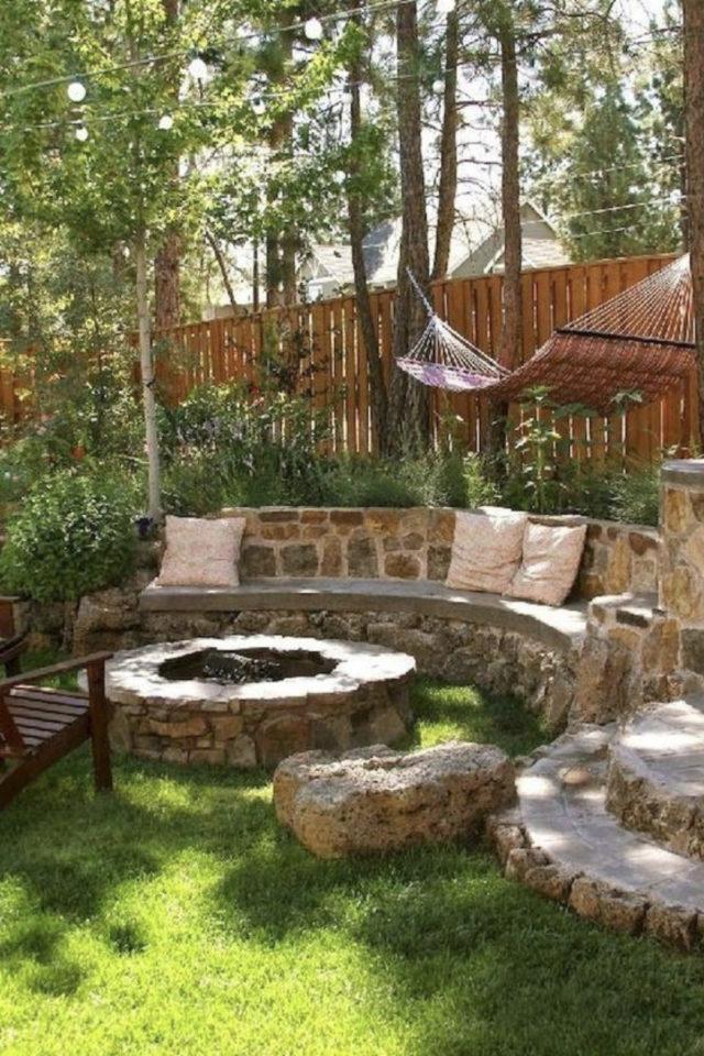 brasero exemple amenagement jardin foyer en pierre aménagement paysager