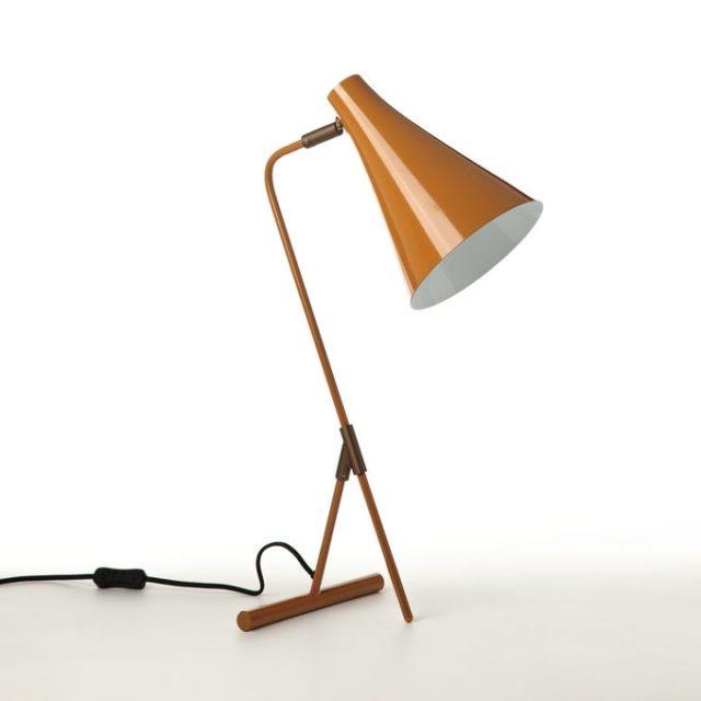 chambre couleur accessoire exemple lampe de chevet style vintage couleur caramel orange