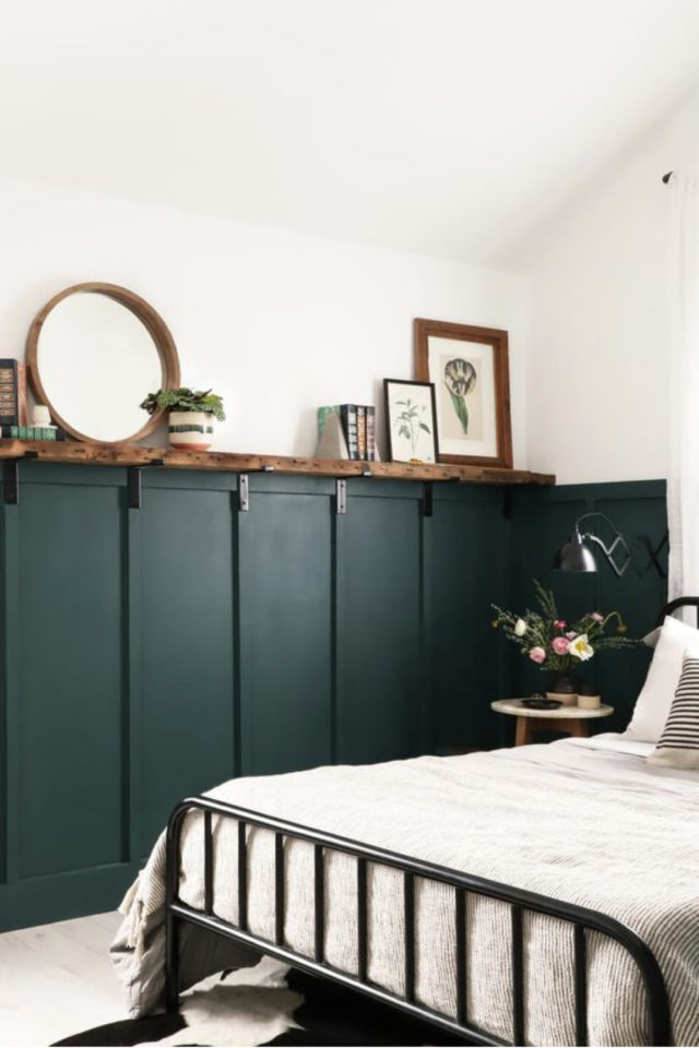 chambre moderne vert et blanc decoration soubassement vert bouteille