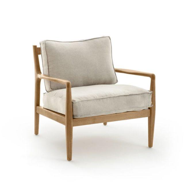 creer salon minimaliste facilement fauteuil bois et coussin écru slow living