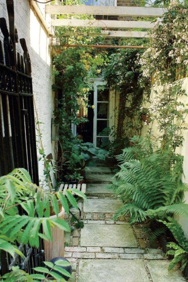 exemple exterieur en longueur jardin micro terrasse longue plante banc