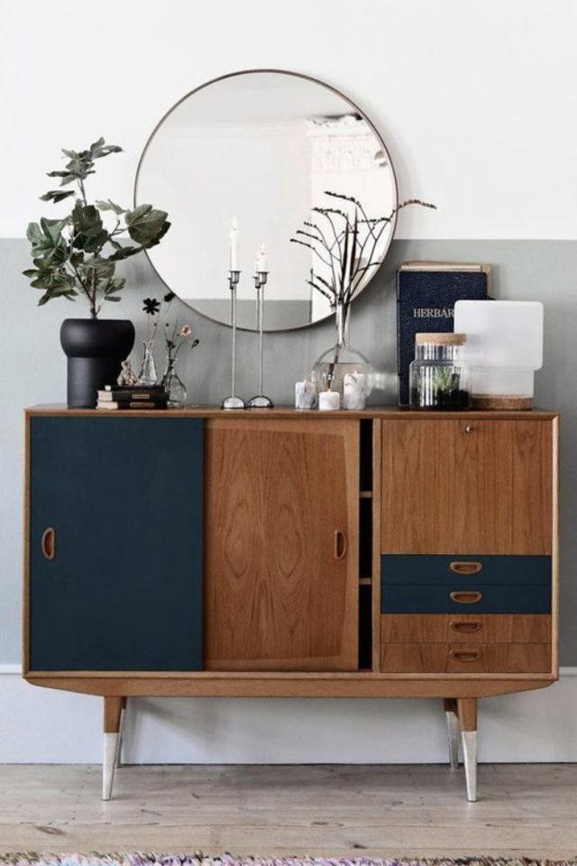 exemple meuble vintage relooke petit buffet porte coulissante et tiroir bois et bleu marine mat