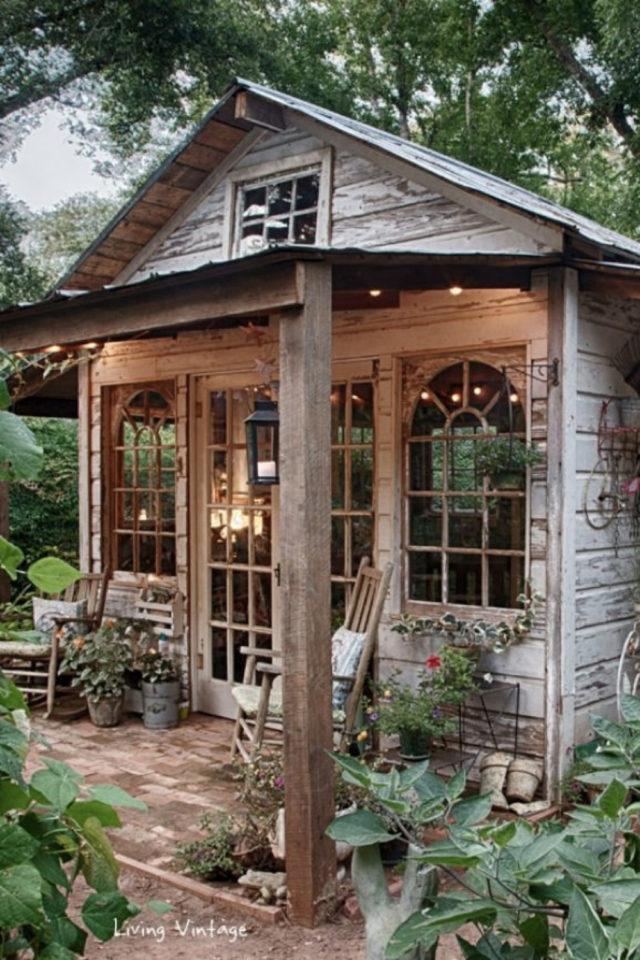 jardin amenagement she shed exemple chalet bois plantes extérieur