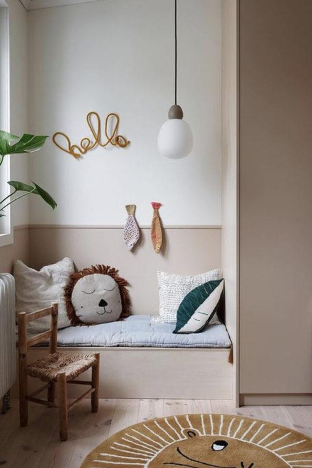 luminaire chambre enfant exemple petite fille fillette banquette globe blanc opaline
