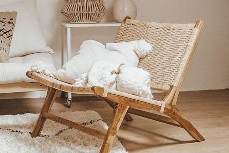 ou trouver fauteuil bas tendance cannage slow deco design bois naturel épuré minimaliste