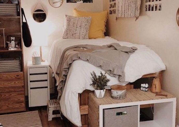 petit logement chambre etudiante happy small living lit surélevé deco morderne