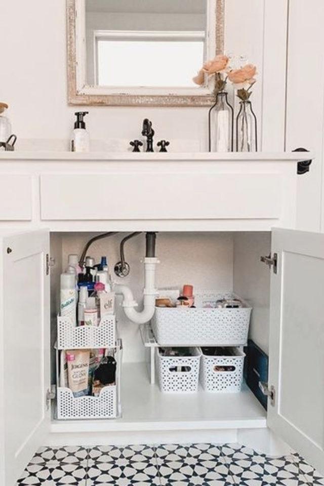 rangement meuble vasque organisation exemple accessoire appoint autour évacuation canalisation