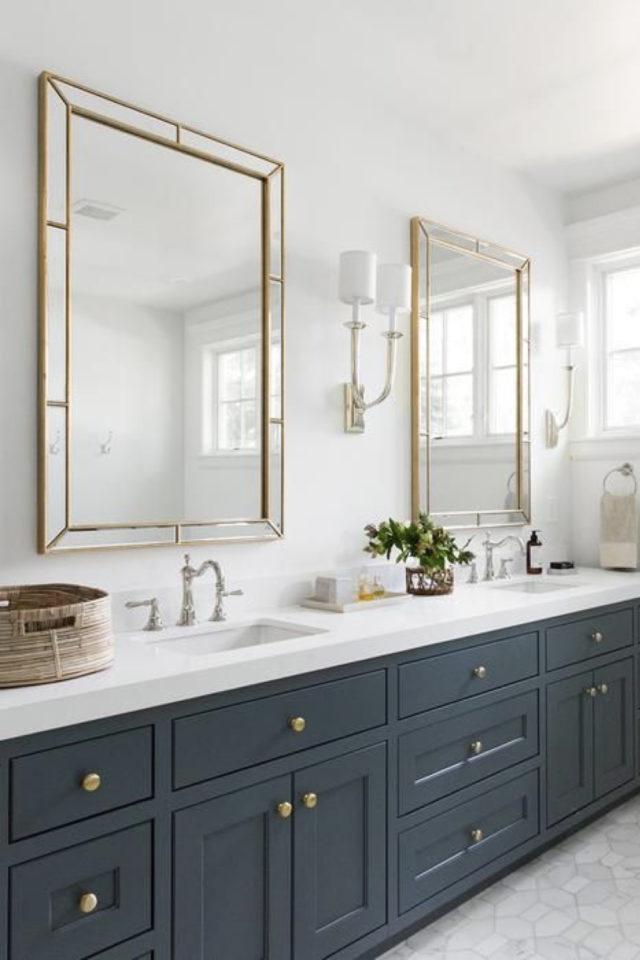 salle de bain moderne double miroir classique chic encadrement laiton