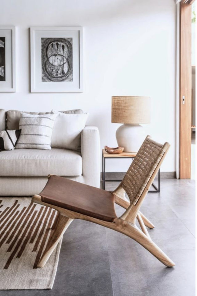 slow deco salon chaise cannage design mid century cuir bois tressage salon moderne