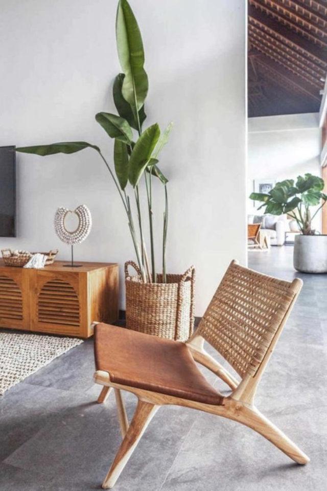 slow living fauteuil lounge assise textile dossier cannage plante XXL bananier