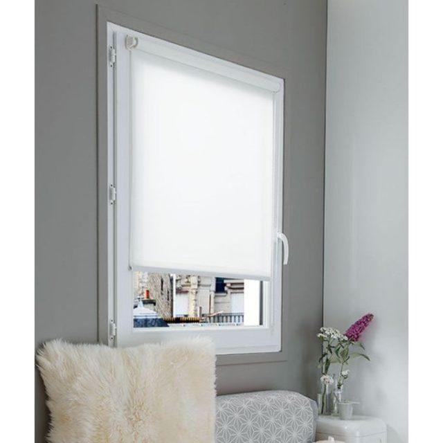 store fenetre chambre enrouleur tissus blanc