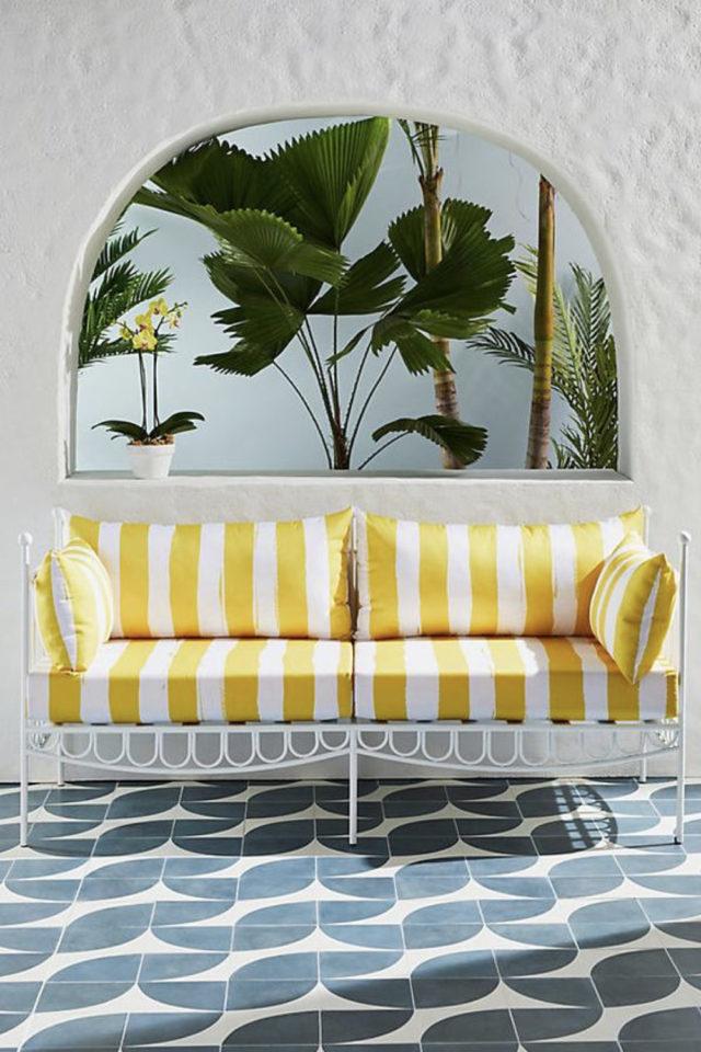 textile rayures style french riviera petit canapé blanc et jaune