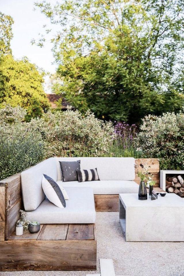 amenagement exterieur banquette confortable canapé jardin angle confort coussin moderne bois