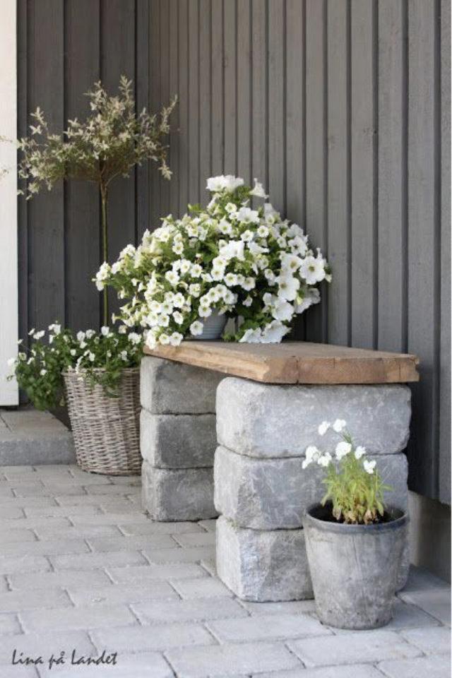 amenagement jardin a faire soi meme pavés planche petit banc facile à faire