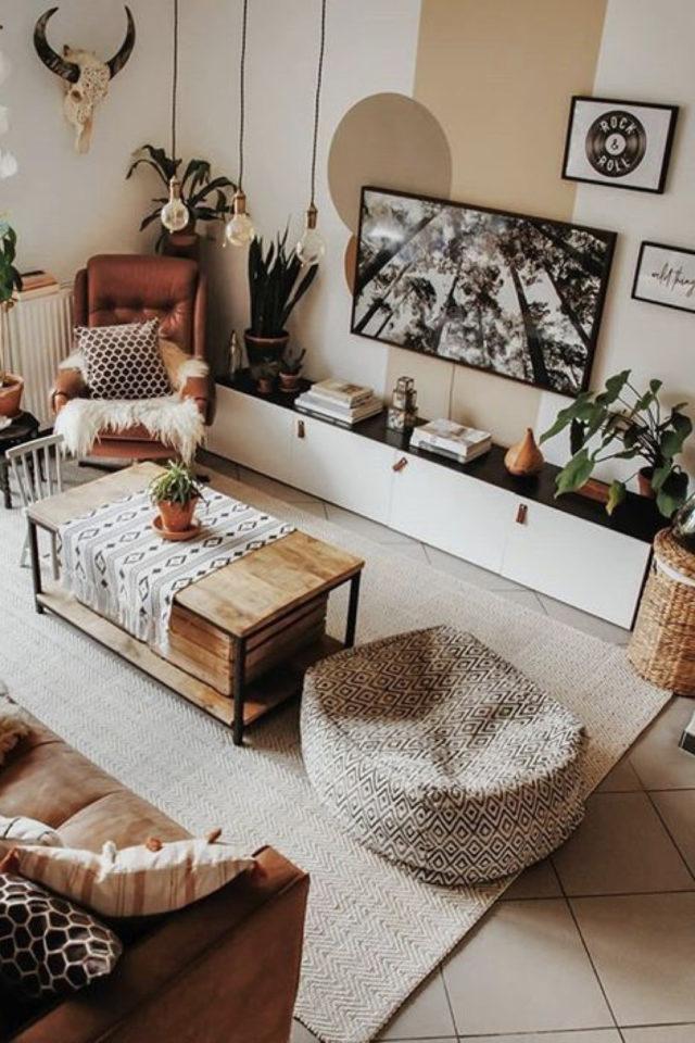 coussin de sol decoration salon moderne grand pouf noir et blanc salon contemporain bois nature