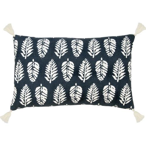 deco responsable durable petit prix Housse de coussin en coton bleu pompon motif feuille blanche