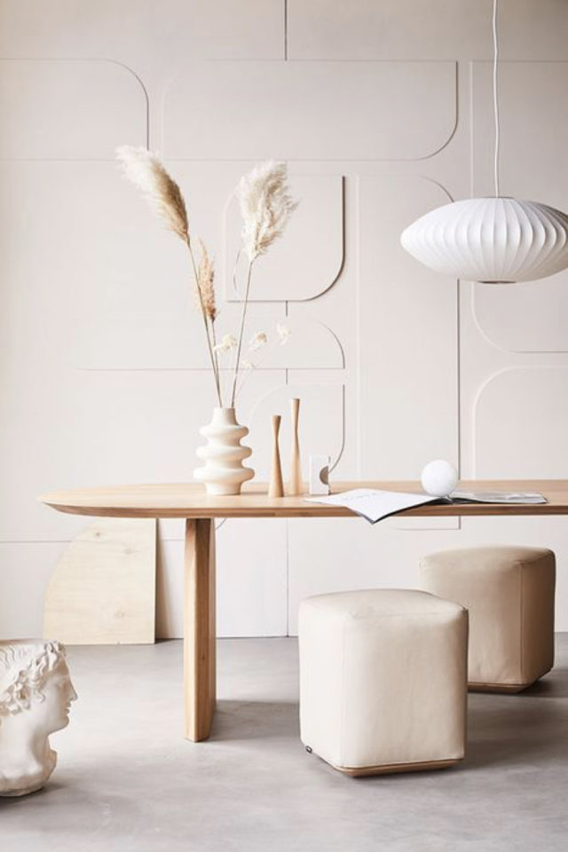 decor mural blanc exemple slow design mobilier bois motif géométrique arrondis ton sur ton salle à manger