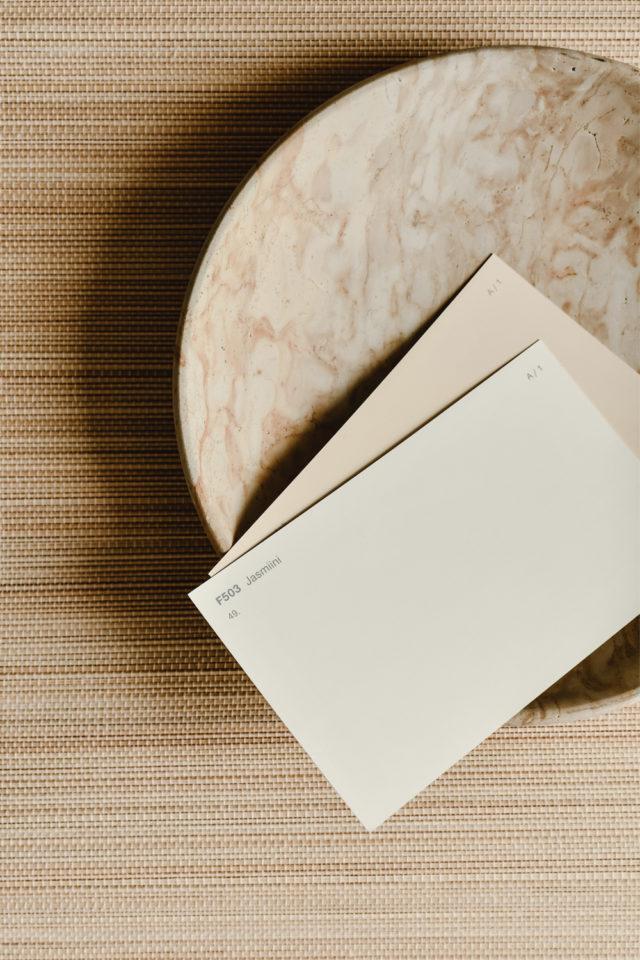 decoration moderne slow living exemple palette de couleur neutre beige écru
