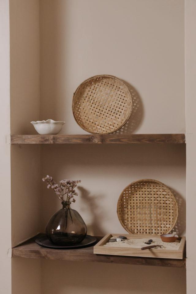 decoration moderne slow living exemple couleur terracotta moderne plateau en cannage