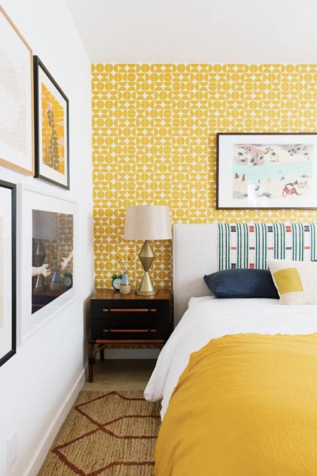 decoration murale motif jaune mur accent chambre à coucher adulte