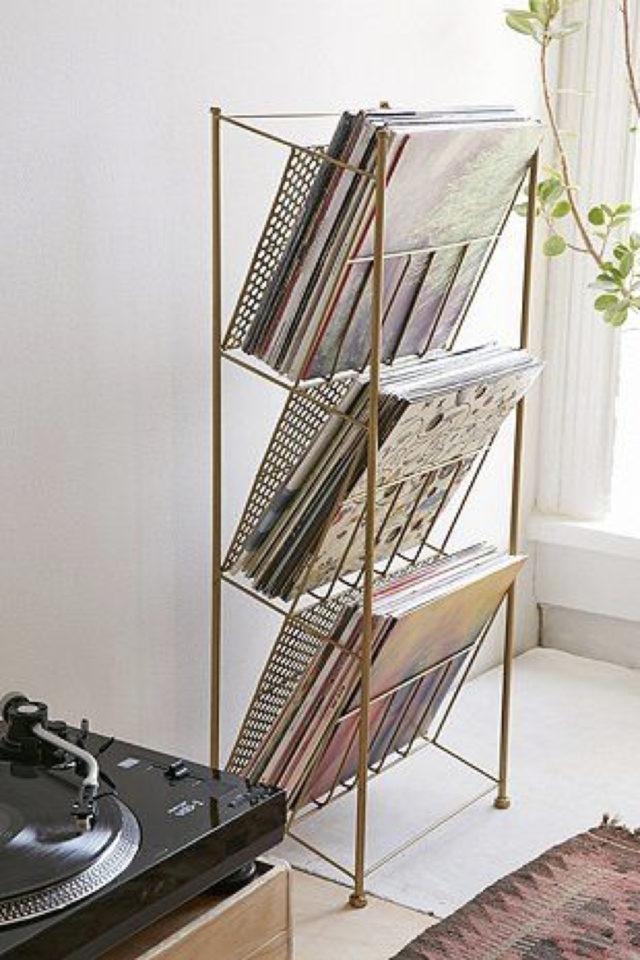exemple decoration meuble platine vinyle détournement porte revue pour album