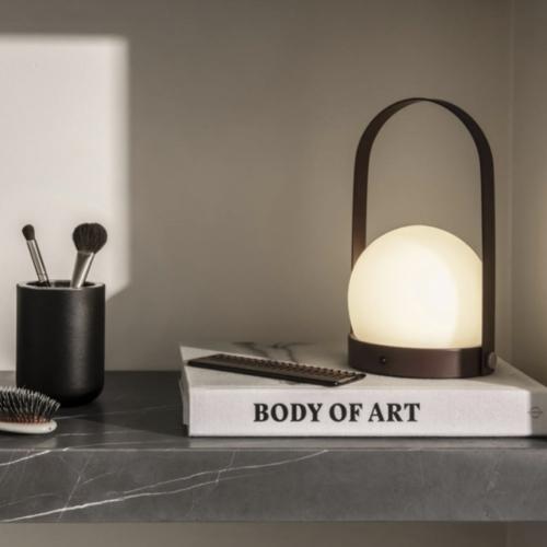 ou trouver lampe bureau design luminaire acier laqué