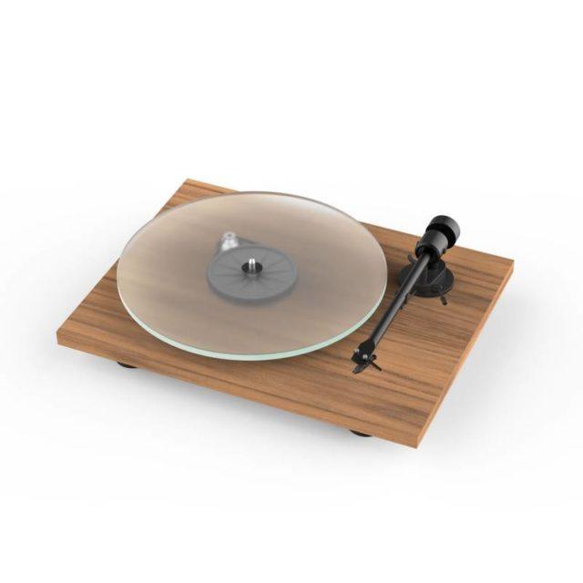ou trouver platine vinyle moderne en bois épuré