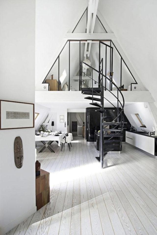 amenagement combles verriere exemple mezzanine lift maison en A design tendance