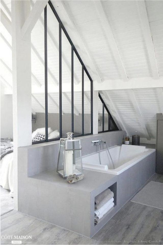 amenagement combles verriere exemple séparation des espaces chambre et salle de bain