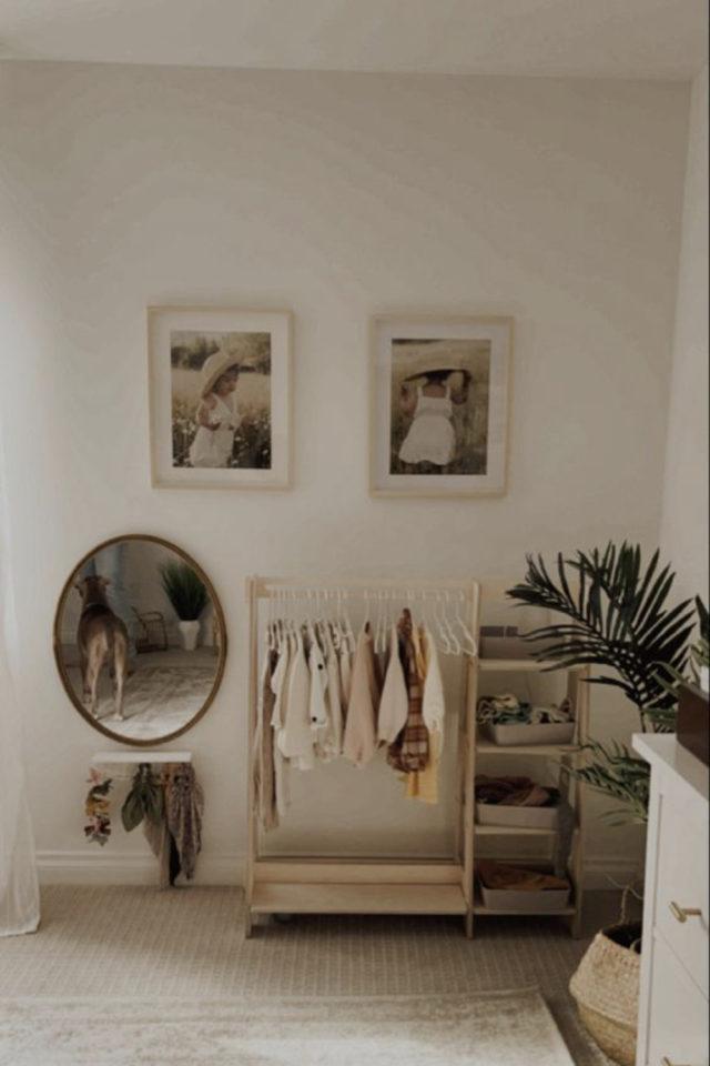chambre enfant montessori idee garde robe adaptée petite taille autonomie