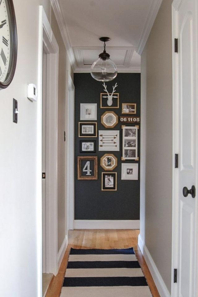 exemple couleur couloir longueur mur couleur foncée cadres patchwork