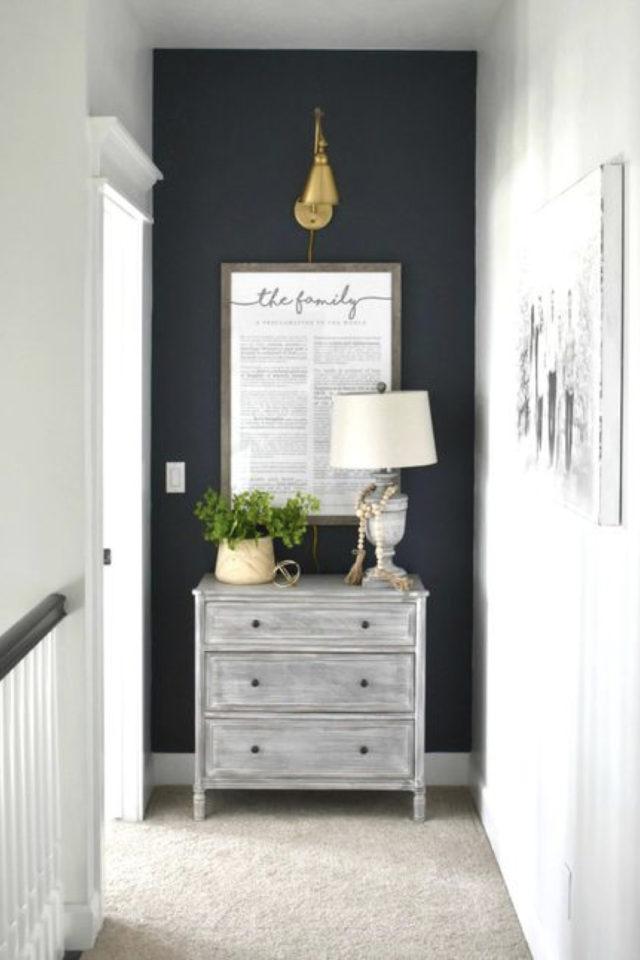 exemple couleur couloir longueur blanc et noir élégant petite commode lampe à poser