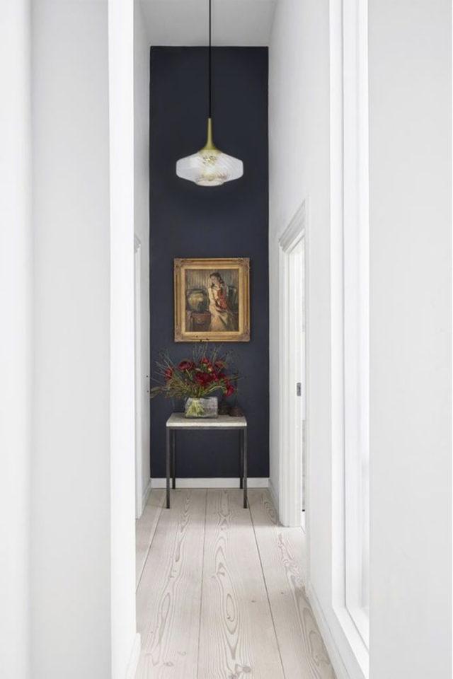 exemple couleur couloir longueur agrandir perspective blanc et couleur foncé gris anthracite